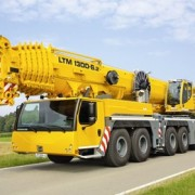 liebherr-at-ltm-1300-6-2-driving-position-yellow