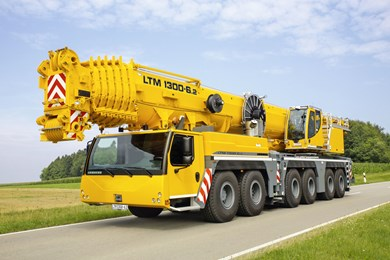 liebherr-at-ltm-1300-6-2-driving-position-yellow